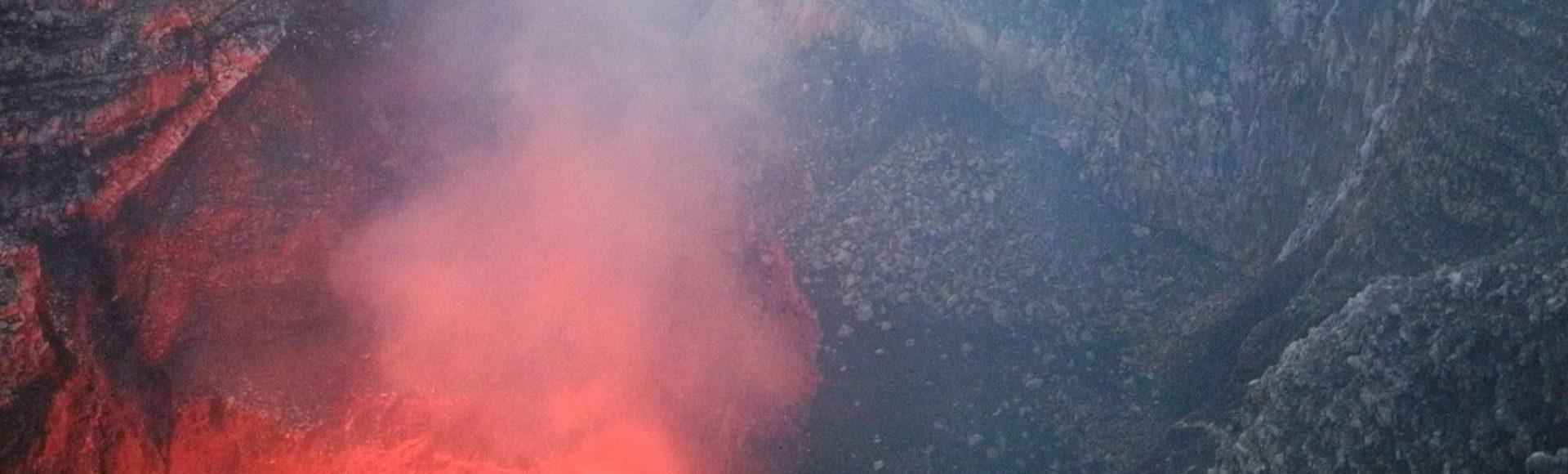 Le feu à Masaya et l'eau à Apoyo…